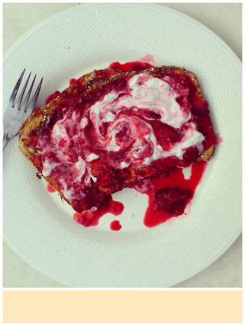 french toast with raspberries