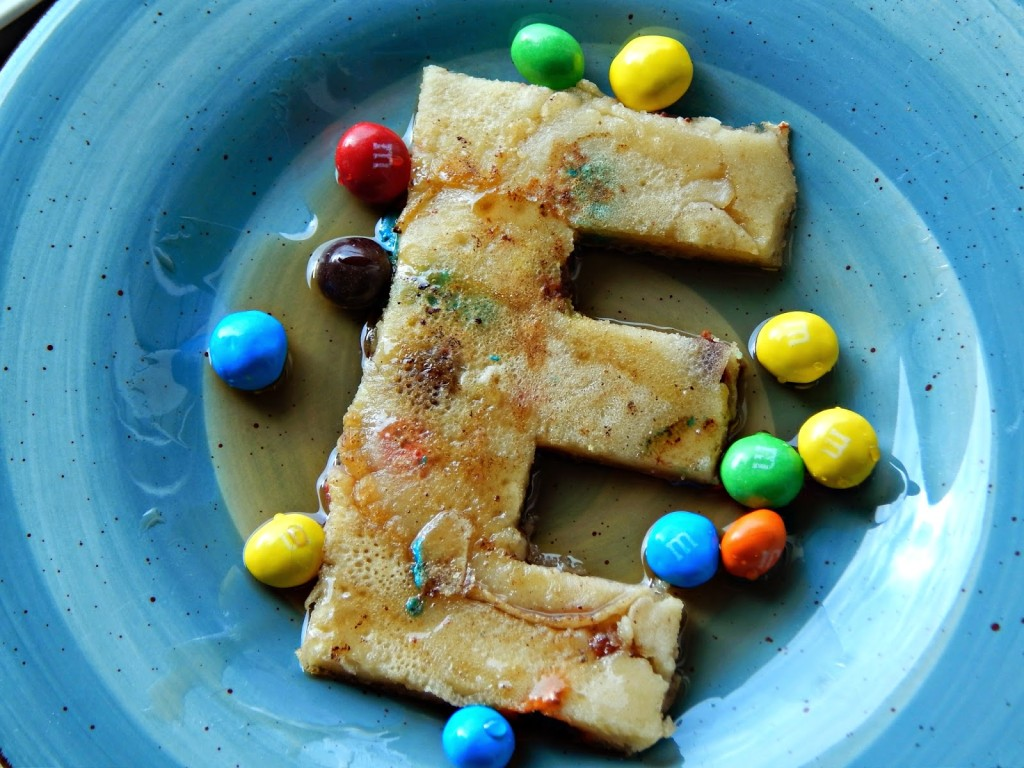 How to make M&M's® Crispy Pancakes #Crispyisback #ad #cbias