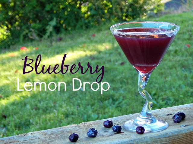 Blueberry Lemon Drop Cocktail via @melissakaylene