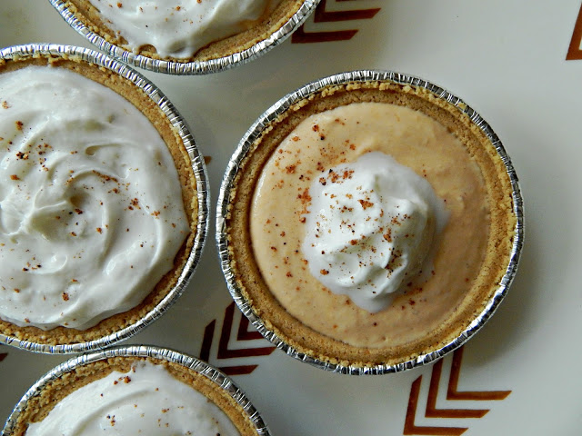 How to make personal Greek Yogurt Pumpkin Pies that taste delicious and only take 30 seconds to make! #EffortlessPies AD