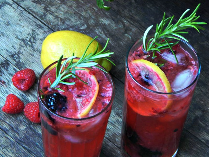 berry lemon cocktail